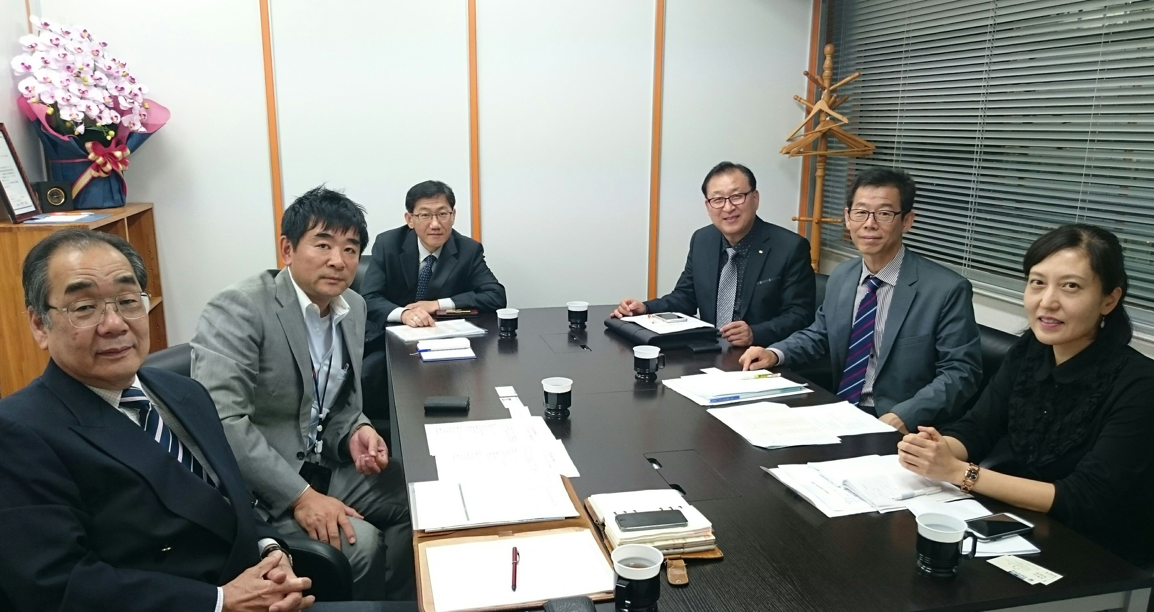 江南大学、韓国職員の方と採用の打合せを行いました。